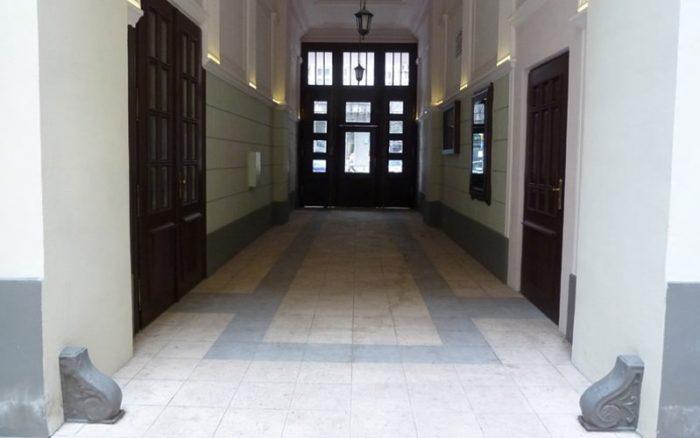 Kamienica Bagatela, Kwadratura, renowacja zabytków